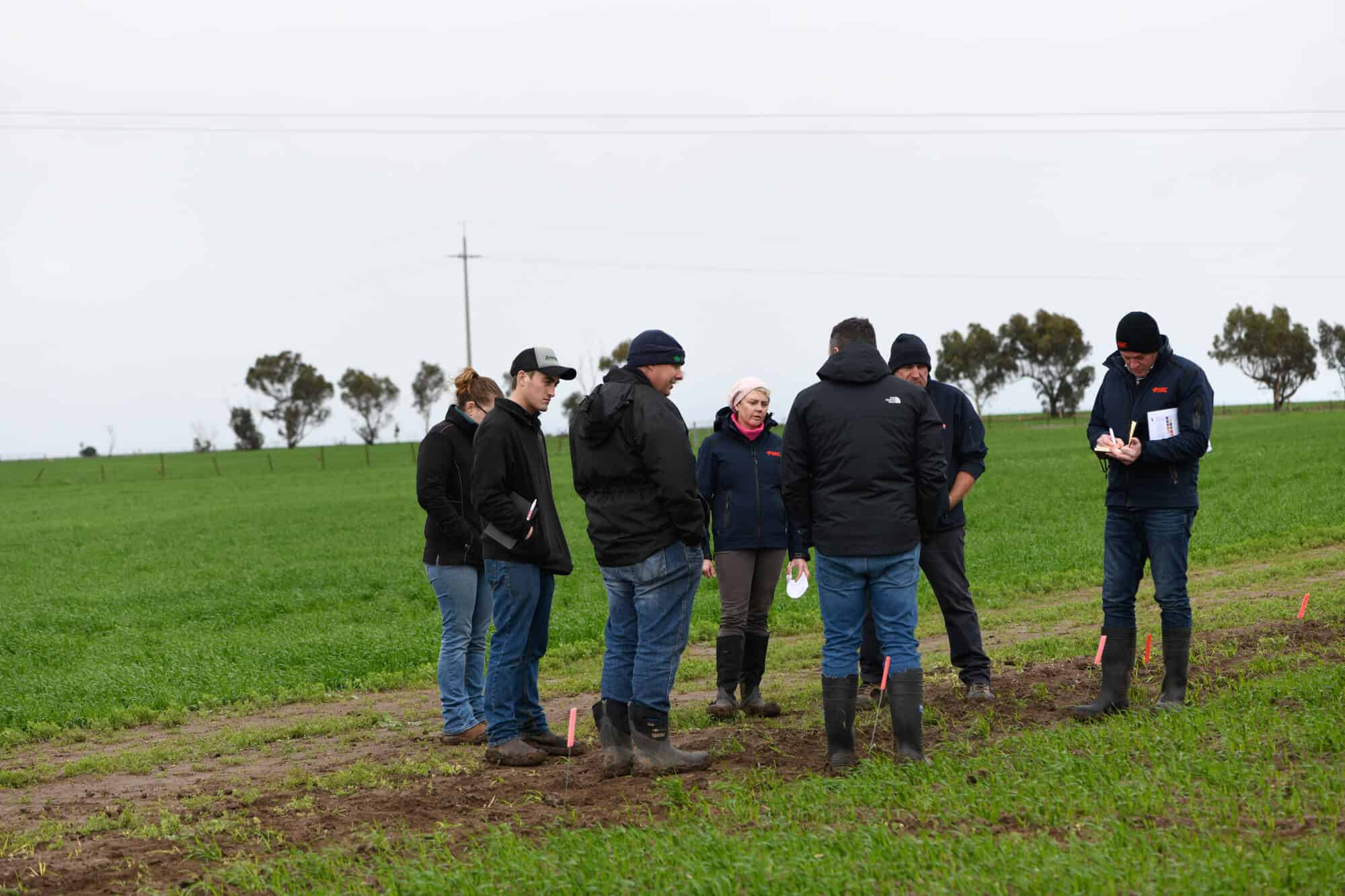 FMC Area Business Manager, Simonne Read, discussing the benefits of Overwatch® Herbicide with the group of consultants in South Australia